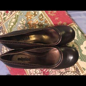 Unlisted closed toe mark Jane heels